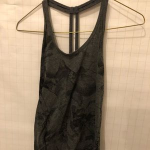 Loose fitting active tank top